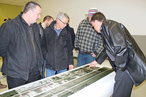 1 Council Takes Critical Look At Niverville'S Main Street Pic1